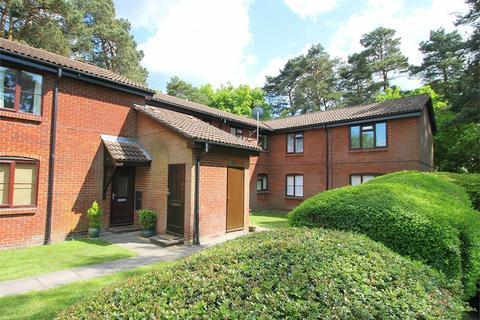 1 bedroom ground floor flat to rent - Habershon Drive, Frimley, GU16
