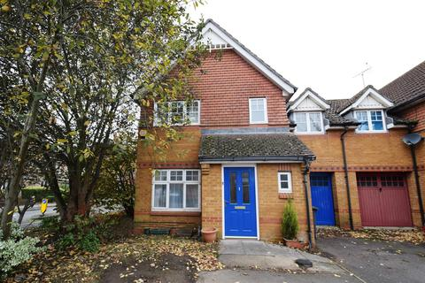 3 bedroom semi-detached house to rent - Clonmel Close, Caversham, Reading