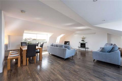 2 bedroom penthouse to rent - Hyde Park Gardens, London