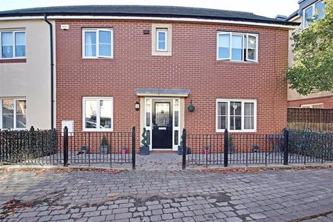 3 bedroom end of terrace house for sale - Baltic Court, South Shields, Tyne And Wear