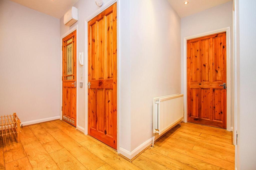 ,hallway.jpg