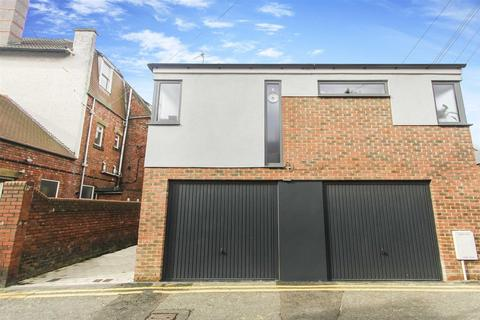 2 bedroom semi-detached house to rent - High Street Back, Gosforth