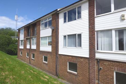 2 bedroom flat to rent - Malcolm Court, Monkseaton, Tyne & Wear