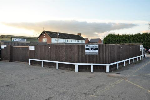 Land to rent - Hardstanding storage, Lower Road, Aylesbury