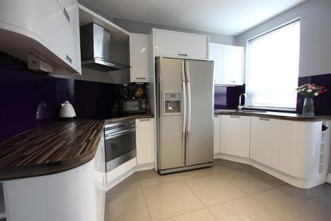 2 bedroom semi-detached house for sale - Sandriggs, Darlington