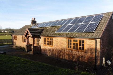 4 bedroom bungalow to rent - Highfields, Llanfair Caereinion, Powys, SY21
