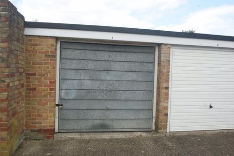 Property to rent - SINGLE GARAGE