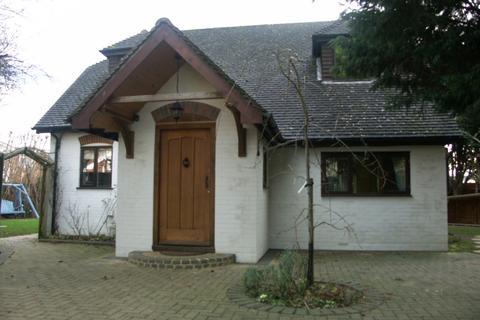 3 bedroom detached house to rent - Lee Street Horley RH6