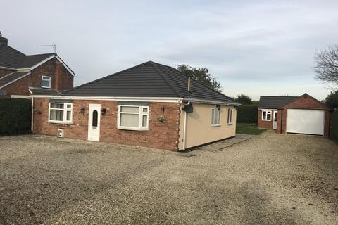 3 bedroom detached bungalow for sale - York Road, Shiptonthorpe, York, North Yorkshire, YO43 3PS