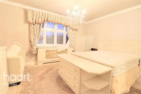 House share to rent - Brockley Close, Stanmore, HA7