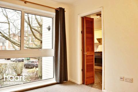 1 bedroom flat for sale - Laleham Road, Shepperton