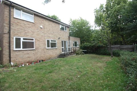 3 bedroom detached house to rent - Chingford E4