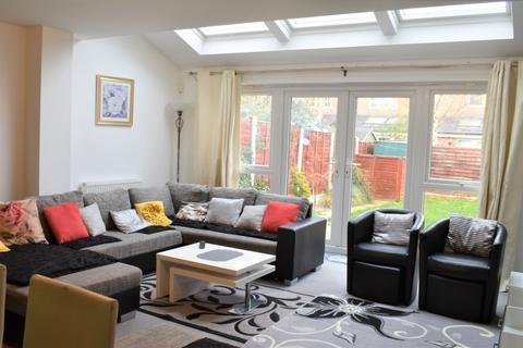 3 bedroom semi-detached house to rent - Whitsun Avenue, Salford, Lancashire, M7