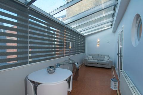 3 bedroom flat to rent - Crown Street, City Centre, Aberdeen, AB11 6AY
