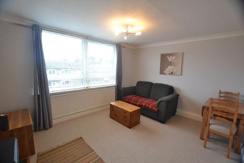 1 bedroom flat to rent - Buckfast Close, Macclesfield