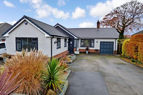 3 bedroom detached bungalow for sale - Thornway, High Lane, Stockport, SK6