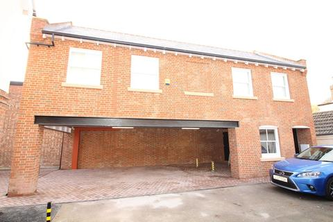 2 bedroom property to rent - New Writtle Street, Chelmsford, Essex, CM2 0LG