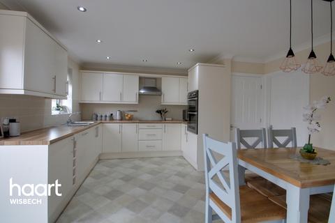 3 bedroom detached house for sale - Queens Road, Wisbech