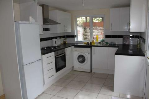 5 bedroom terraced house to rent - Cottrell Road, Roath, Cardiff, CF24 3EX