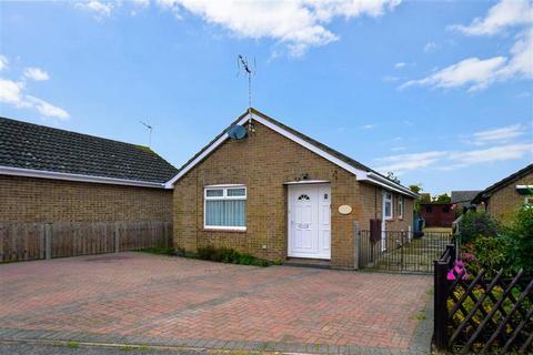 2 bedroom detached bungalow for sale - Barley Close, Herne Bay, Kent