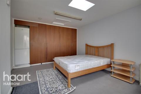 1 bedroom flat to rent - Silkstream Road, Edgware, HA8