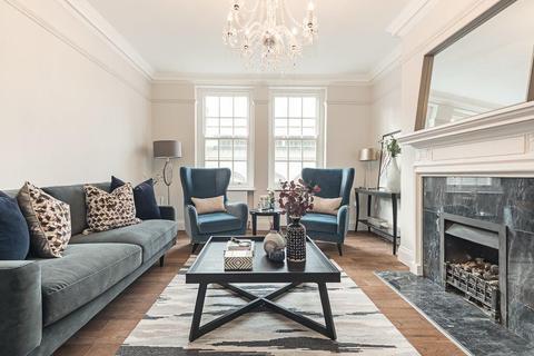 3 bedroom house to rent - Great Portland Street, London, London, W1W