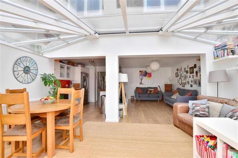 3 bedroom end of terrace house for sale - Harman Avenue, Lympne, Kent