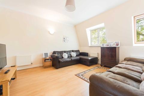 2 bedroom flat for sale - Langthorne Lodge, Charles Haller Street, London, SW2
