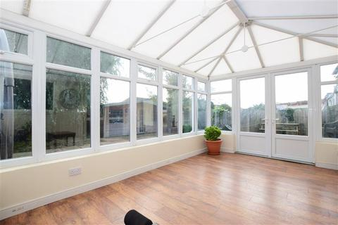 5 bedroom bungalow for sale - Tolworth Gardens, Chadwell Heath, Essex