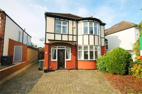 4 bedroom detached house to rent - Hoodcote Gardens, N21