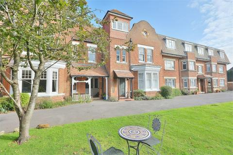 3 bedroom flat for sale - Stourwood Avenue, Southbourne, Bournemouth