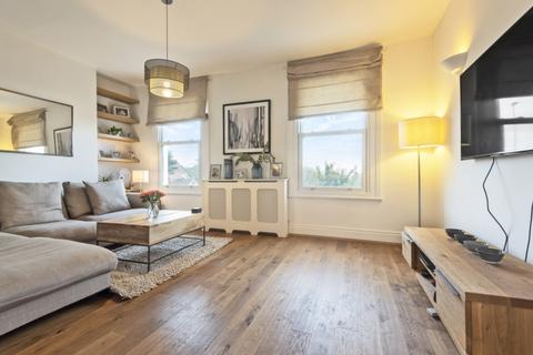 2 bedroom apartment to rent - Wandsworth Road Clapham SW8