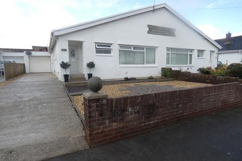 3 bedroom semi-detached bungalow to rent - Castle View, Bridgend