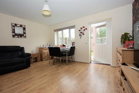 3 bedroom townhouse for sale - Langham Close , Hinckley