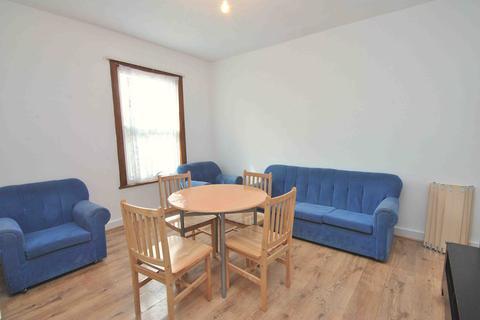 2 bedroom flat to rent - Hornsey Park Road, Harringay, London, N8