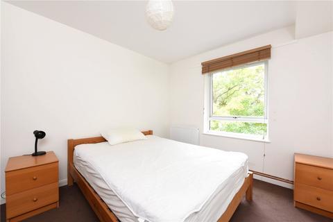 1 bedroom flat to rent - Pines Court, 48 Victoria Drive, London, SW19