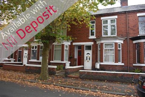 4 bedroom terraced house to rent - Gainsborough Road, Crewe