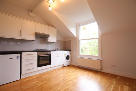 1 bedroom flat to rent - Dukes Avenue, London