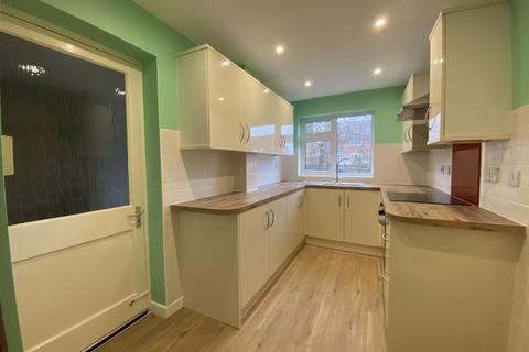 3 bedroom link detached house to rent - Wyvern Avenue, Calne
