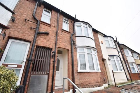 3 bedroom terraced house to rent - Talbot Road, Luton