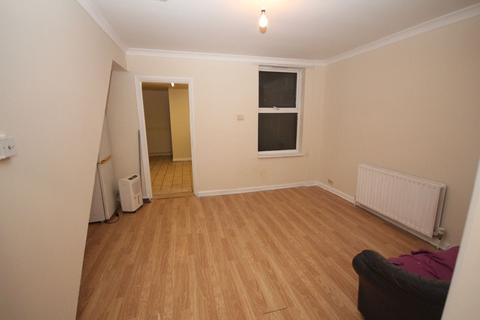 1 bedroom flat to rent - Flat ,  Dumfries Street, Luton