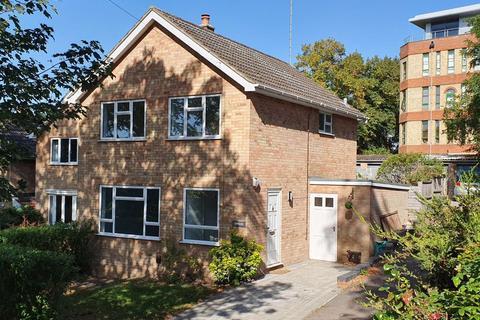 3 bedroom detached house to rent - Station Road, Ampthill, Bedfordshire