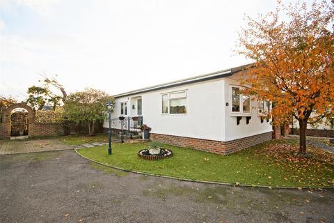 2 bedroom park home for sale - Oaktree Close, Nyetimber, Bognor Regis