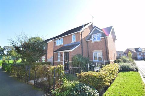 4 bedroom detached house to rent - Wallbrook Avenue, Macclesfield
