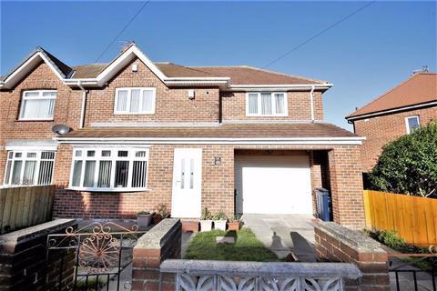 3 bedroom semi-detached house for sale - Helmsdale Road, Hylton lane Estate, Sunderland, SR4