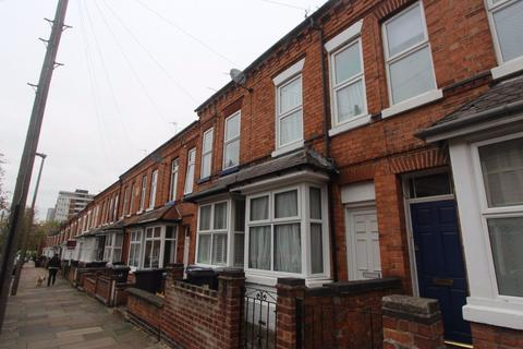 3 bedroom terraced house to rent - St Leonards Road, Clarendon Park, Leicester, LE2