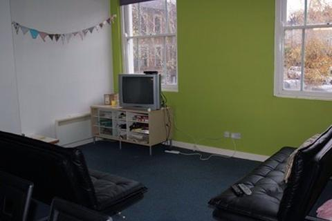 5 bedroom flat to rent - St Andrews, Cromwell Road