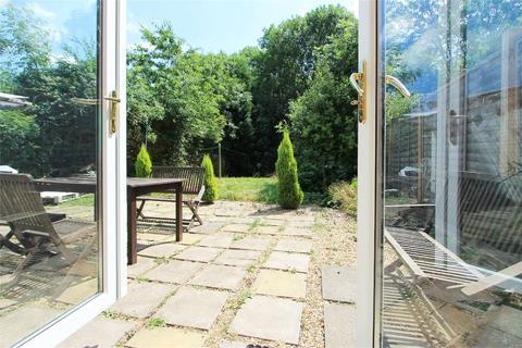 3 bedroom semi-detached house for sale - Newton Road, Bletchley, MILTON KEYNES, MK3