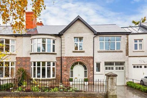 5 bedroom house - 4 Eglinton Park, Dublin  4