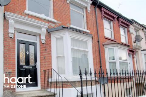 3 bedroom terraced house to rent - Hardy Street, ME14